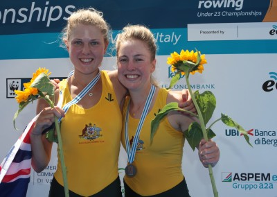 Miansarow and Nesbitt with bronze medals